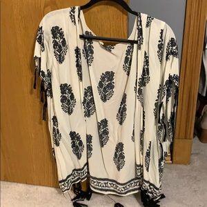 White and black feather kimono